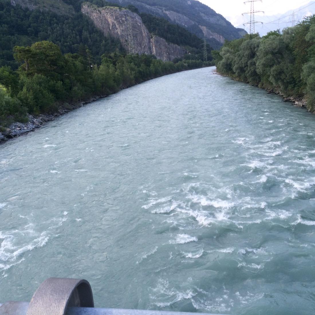 Haldensteiner Rhein von der Brücke aus